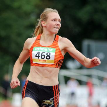 """Celina Leffler springt 5,90 Meter mit dem """"falschen Bein"""""""
