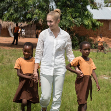 Gina Lückenkemper mit Plan International in Ghana