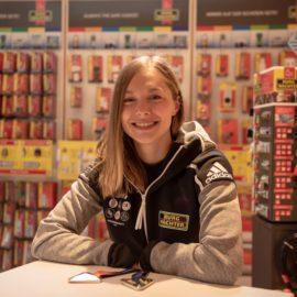 Gina Lückenkemper zu Besuch bei BURG-WÄCHTER