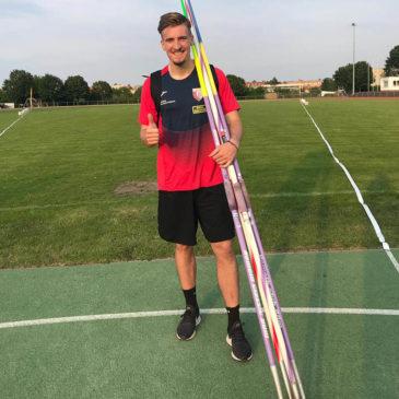 Tom Meier wirft DM-Norm und Bestleistung zum Saisoneinstieg