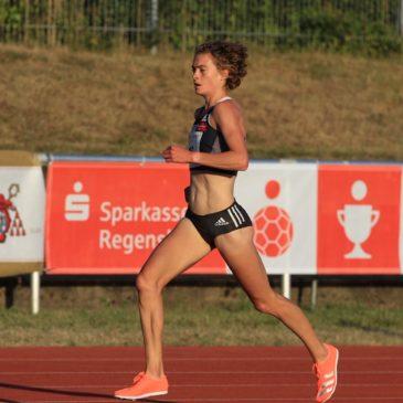 Alina Reh erlebt Achterbahnfahrt in Regensburg