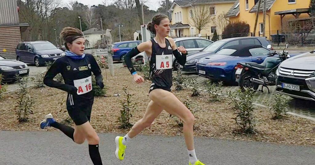 Blanka Dörfel beim Berlin 10k Invitational auf dem Weg zur neuen Bestzeit von 33:00 Minuten.